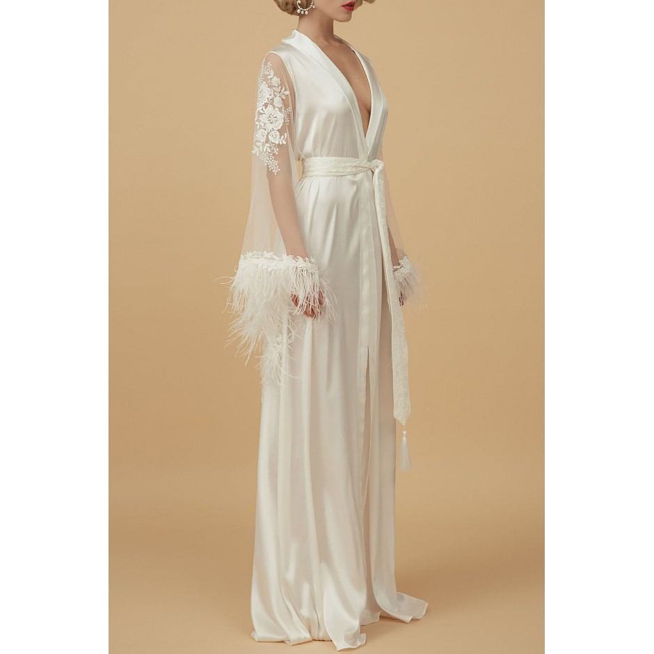SILK, EMBROIDERED TULLE AND FEATHERS PEIGNOIR IN LIGHT IVORY